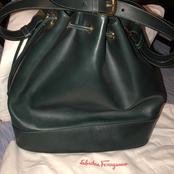 Vintage Salvatore Ferragamo Bucket Shoulder Bag!! M 5b108f3a85e6052e82ff20bd ffbaacbb02c6b